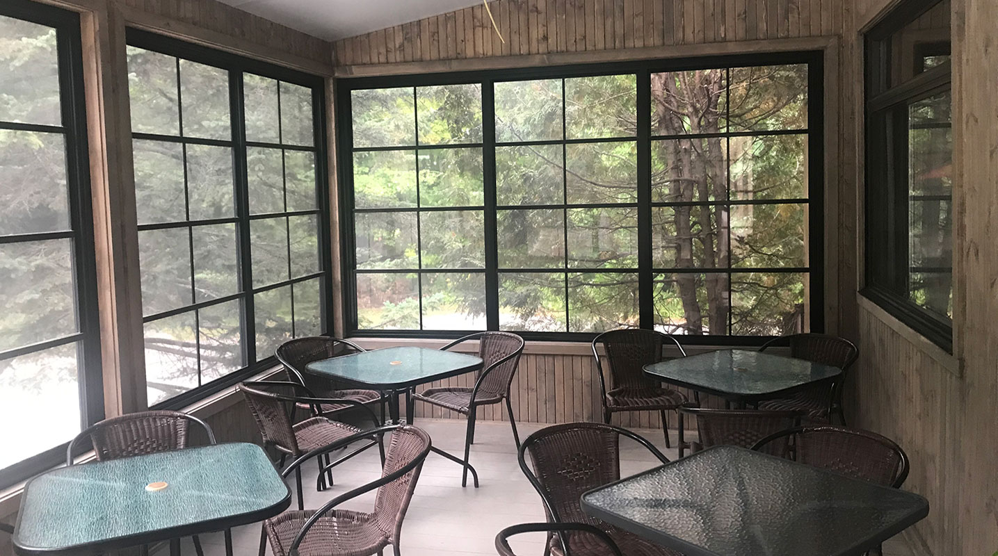 photo-veranda_auberge-mont-rigaud